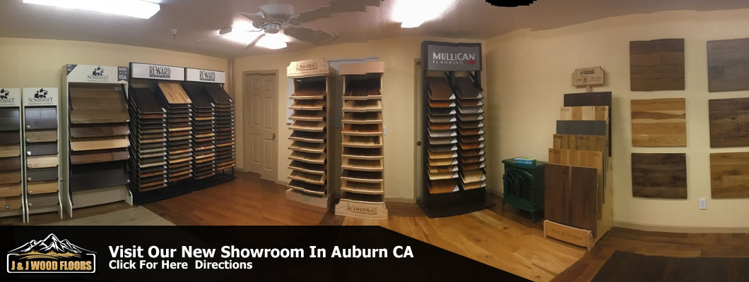 wood-flooring-showroom